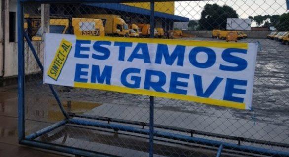 Funcionários dos Correios em AL entram em greve