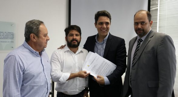 CPLA participa de reunião sobre aplicação de recursos para AL