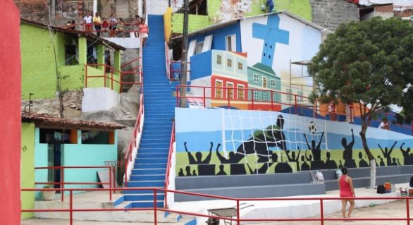 Pinturas valorizam as comunidades e elevam a autoestima dos moradores de Maceió