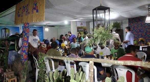 Cooperativas leiteiras participam da 37º Expo Bacia Leiteira