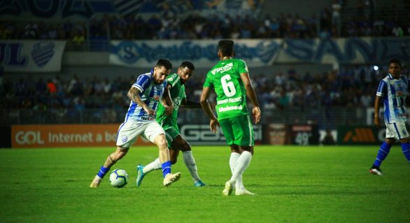 CSA vence jogo contra Chapecoense e sobe para 18º colocado