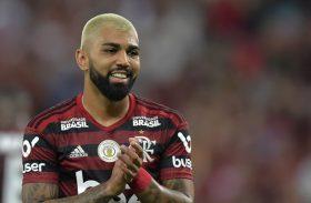 Flamengo vence Santos e garante liderança no primeiro turno do Brasileirão