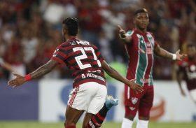 Flamengo vence, segue líder e imbatível na série A do Brasileirão