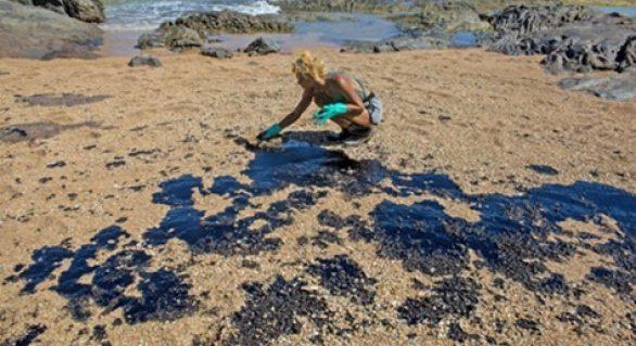 Óleo é encontrado no litoral do Rio de janeiro e Marinha manda para análise