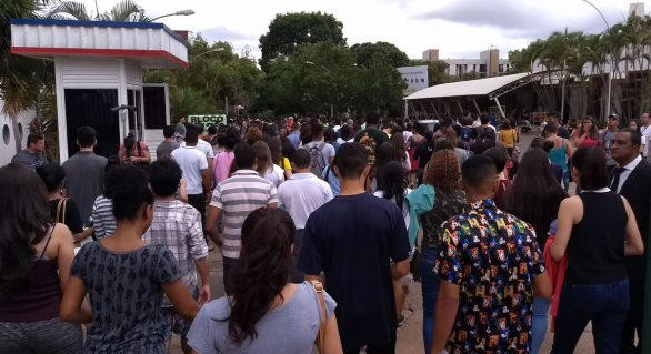 Mais de 5 milhões de candidatos fazem provas do Enem neste domingo
