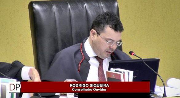 Satuba ultrapassa gastos com pessoal e TCE-AL manda reduzir despesas