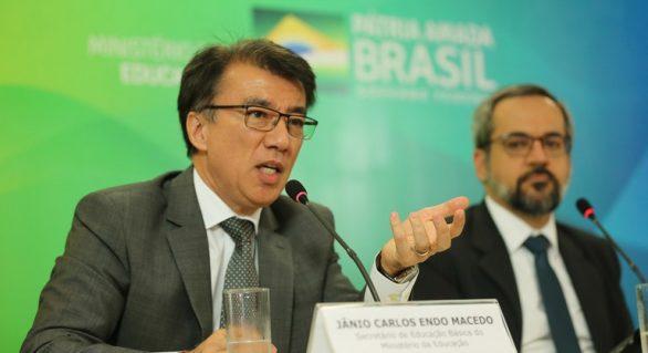 Investimento de R$115 milhões traz a escolas de todo Brasil internet banda larga
