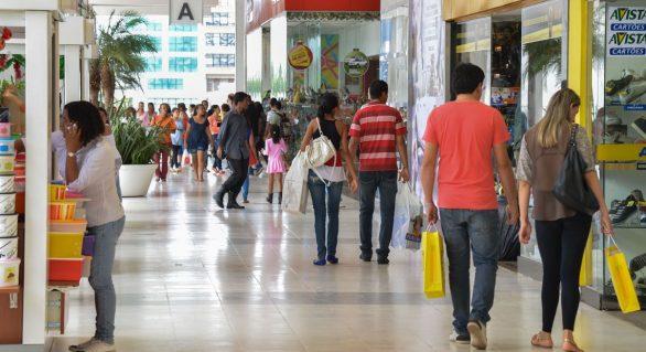 Vendas do varejo crescem 0,7%, revela pesquisa do IBGE