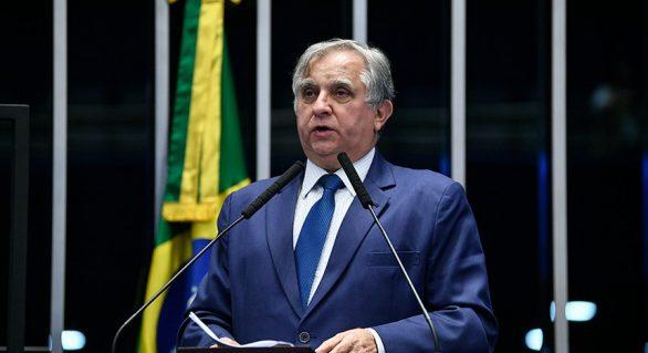 Senador Izalci Lucas critica cortes nos investimentos em ciência e tecnologia