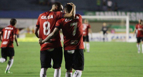 CRB enfrenta o Vitória nesta terça-feira, no Barradão