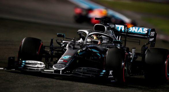 Hamilton quebra jejum e larga entre 3 primeiros na última corrida de 2019