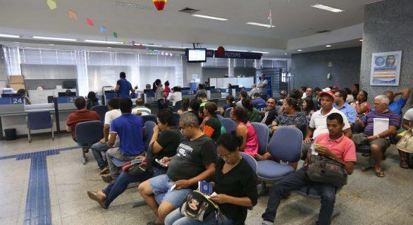 BB e Caixa perdem exclusividade de pagar abono e seguro-desemprego