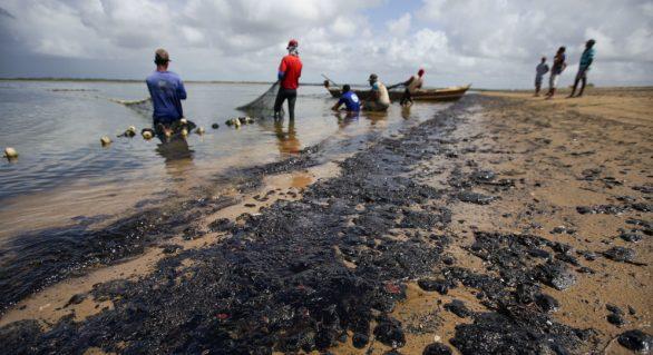 Pescadores de áreas afetadas por óleo terão auxílio emergencial