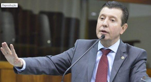 Líder do Podemos afirma que Paulo Guedes é uma farsa e ilude brasileiros