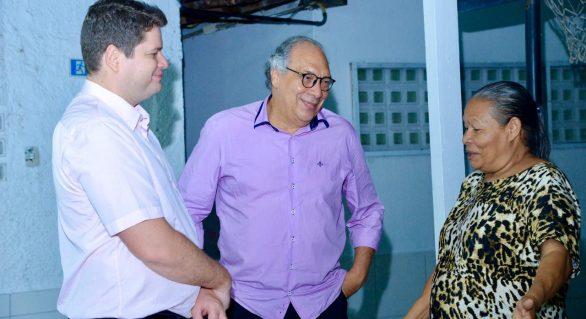 Gabinete do Deputado Davi Filho entrega doações de Natal