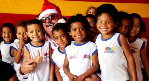 Equipe Lei Seca promove ação solidária de Natal para crianças em Maceió
