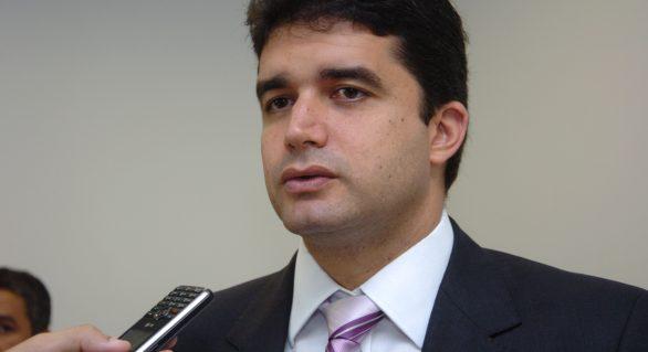 Rui Palmeira decide adiar reforma da previdência estadual
