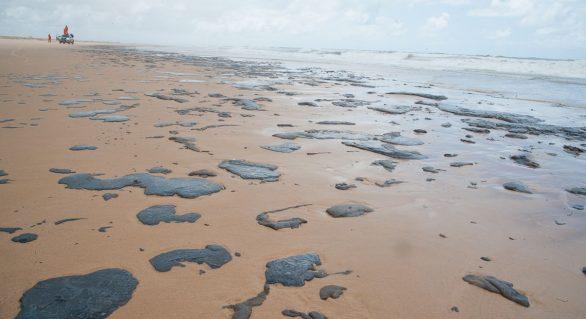 Pescadores de áreas atingidas por óleo recebem 2ª parcela do auxílio