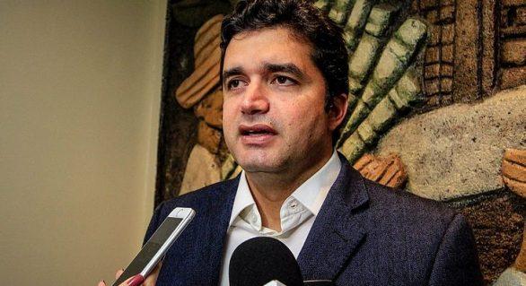 Rui afirma que não vai reajustar tarifa de ônibus em Maceió