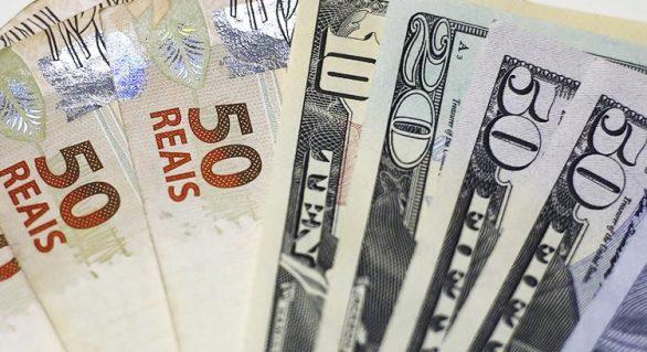 Dólar tem alta de 1% após tensão entre EUA e Irã