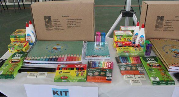 Semed Penedo segue com entregas de kits escolares a partir de 2 de março