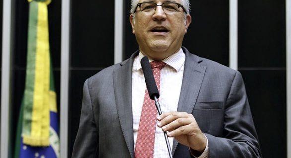 Projeto prevê impeachment de presidente que desrespeitar orientação de saúde pública durante pandemia