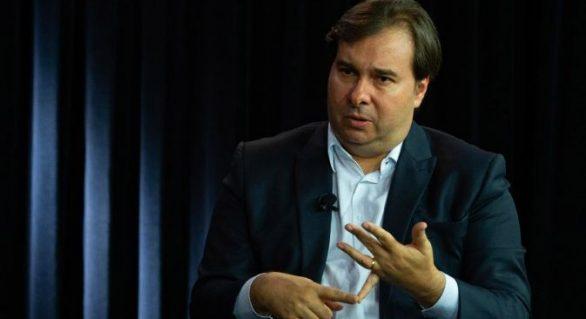 Rodrigo Maia critica apoio de Bolsonaro às manifestações desse domingo (15)