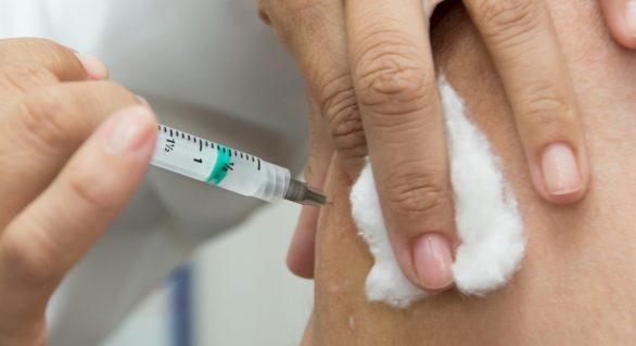 Prefeitura de Marechal inicia vacinação contra a gripe em idosos, grupo de risco da Covid-19