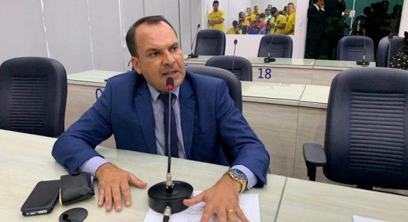 Vereador pede que prefeitura forneça alimentação aos alunos durante suspensão de aulas