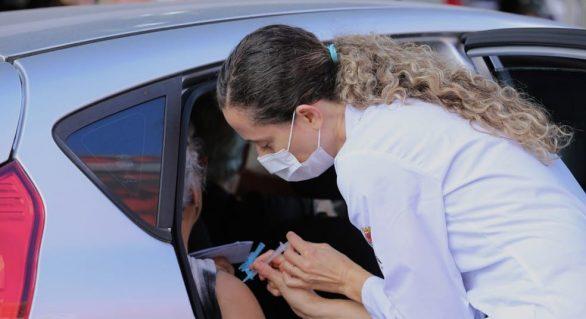 Drive-thru da 2ª fase de vacinação contra gripe tem início neste sábado (18)