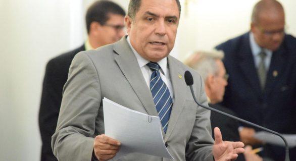 Deputado lança PL que obriga lotéricas a dar álcool 70º para clientes