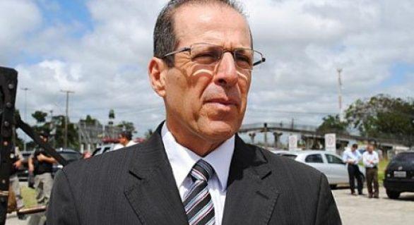 Juiz Braga Neto é afastado após suposto esquema pelo TJAL