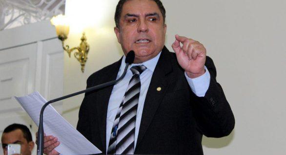 Deputado diz ser contra à privatização da Casal durante sessão da ALE