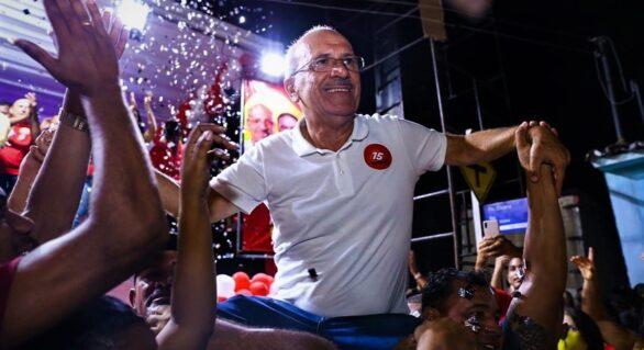Ronaldo Lopes é eleito prefeito de Penedo