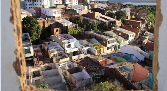 Mais de 8 mil famílias foram realocadas de bairros afetados