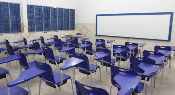 Governo anuncia volta às aulas em 21 de janeiro