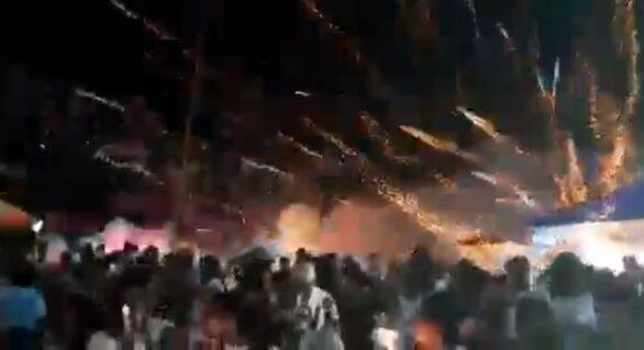 Explosão de fogos de artifício durante carreata deixa 24 fiéis feridos