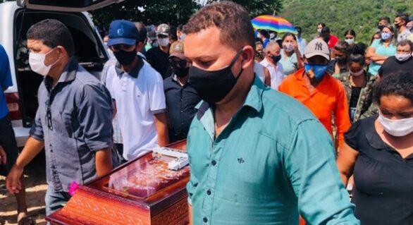 Vítimas de acidente em MG são sepultadas no interior de AL