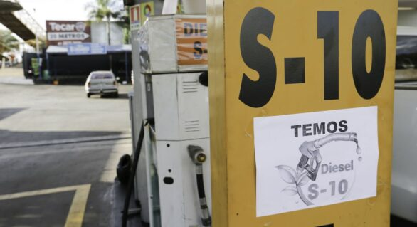 Petrobras anuncia redução no preço do diesel nas refinarias em R$ 0,08