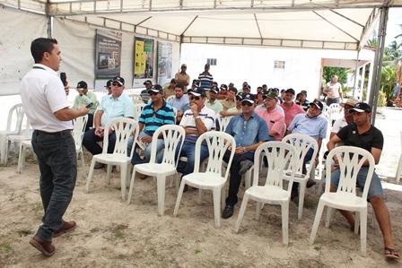 Dia de campo em Pindorama apresenta novas tecnologias para o campo