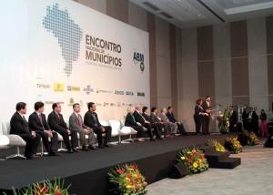 Presidente da AMA representa CNM no Encontro Nacional dos Municípios