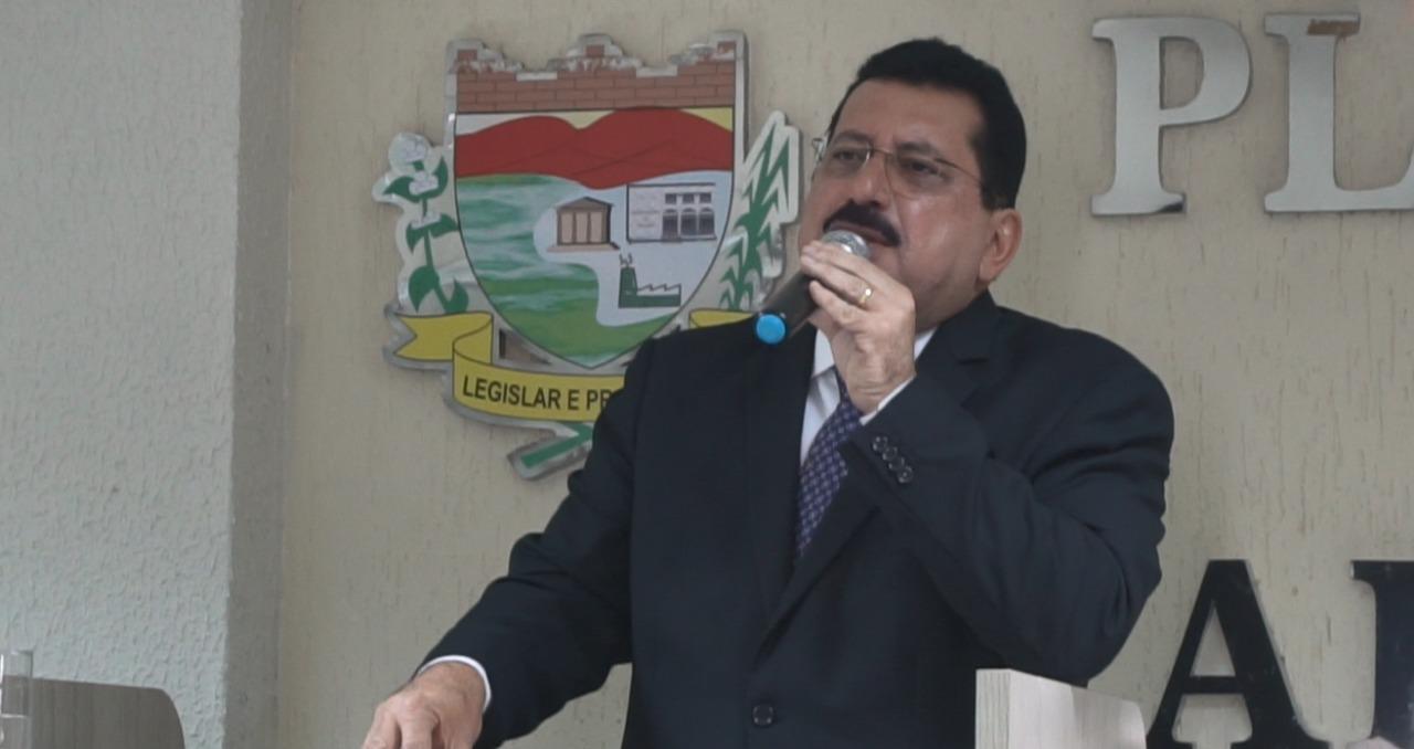 Prefeito de Rio Largo tem mandato cassado e esposa assume