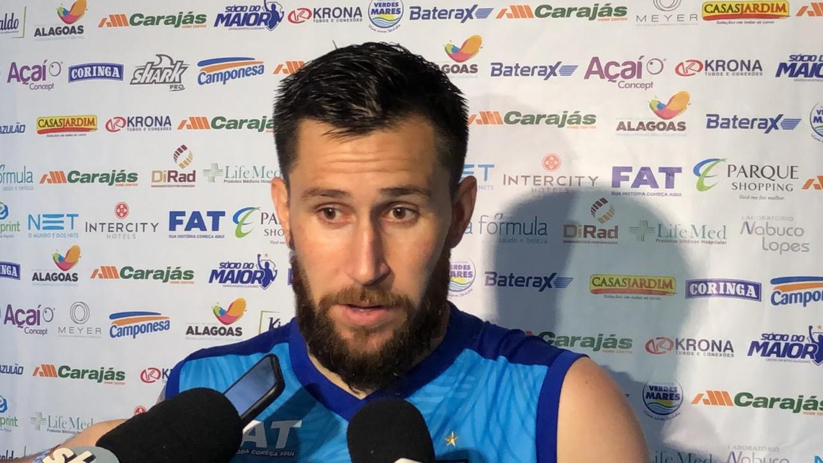 Jogando bem ou mal precisamos vencer, diz Jonatan Gómez