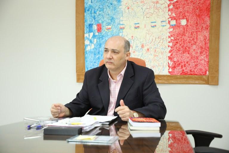 Reitor da Ufal emite portaria que regulamenta estado de emergência