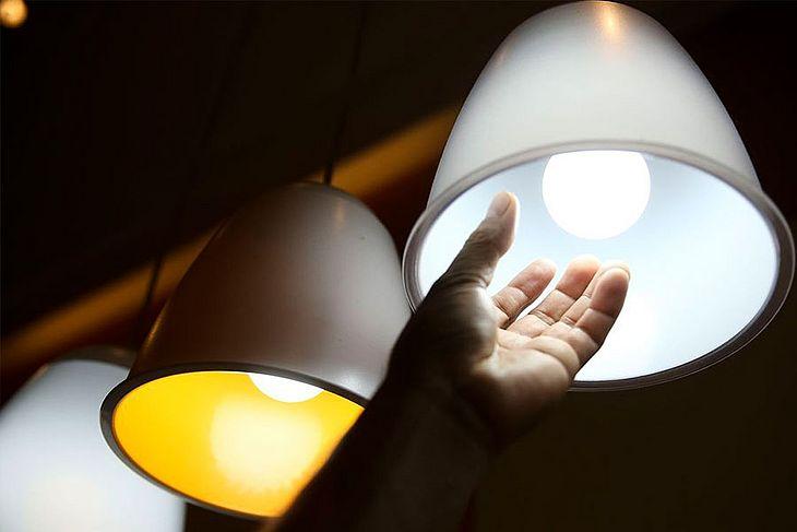 Equatorial Alagoas promove ação de troca de lâmpadas em Maceió