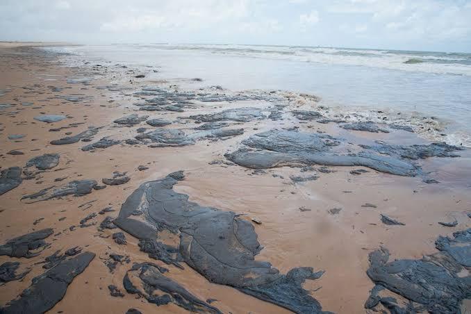 Manchas de óleo: Ceará registra novas marcas do litoral