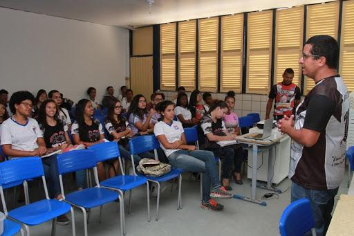 Ufal oferece 300 vagas para curso Pré-Enem Comunitário