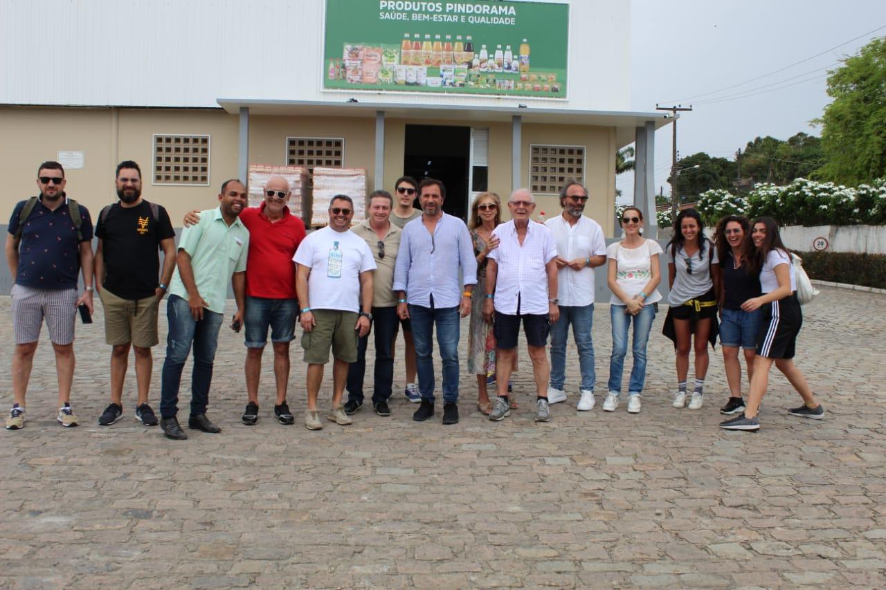 Empresários italianos visitam parque fabril de Pindorama