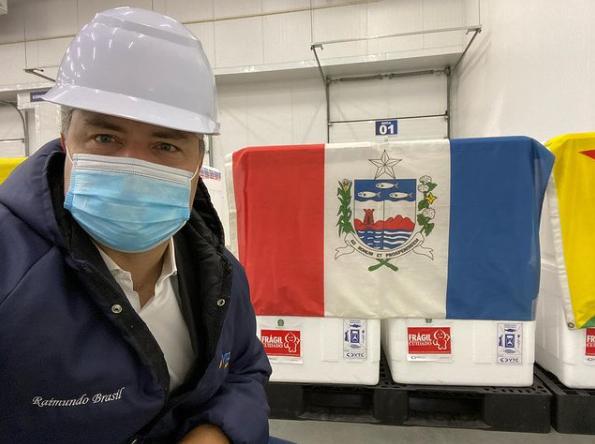 Vacinas chegam ao Aeroporto Zumbi dos Palmares nesta segunda-feira (18)