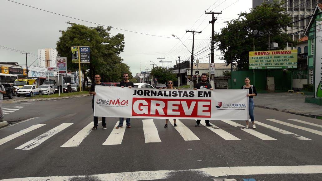 Jornalistas fazem novo ato nesta manhã na Avenida Fernandes Lima